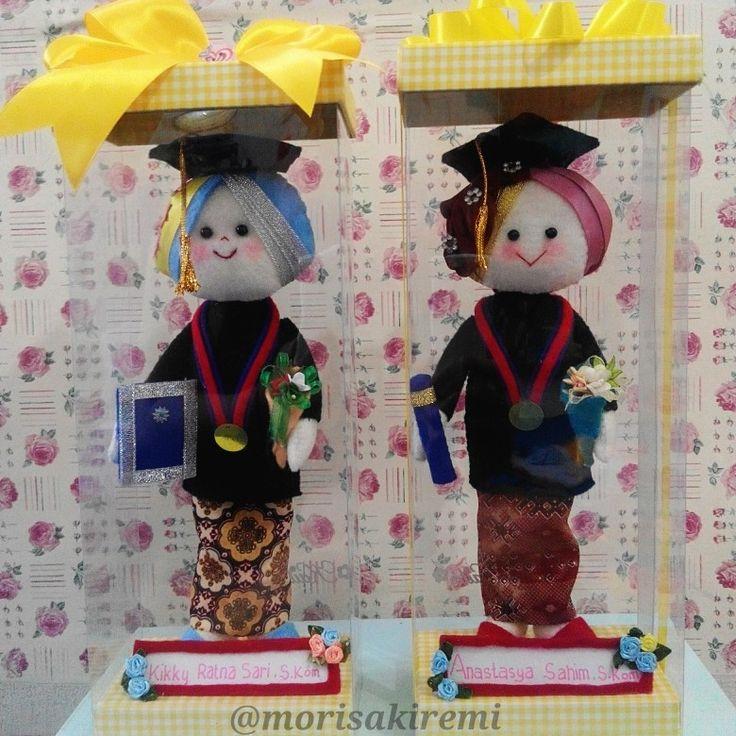 graduation dolls. 25cm. $25