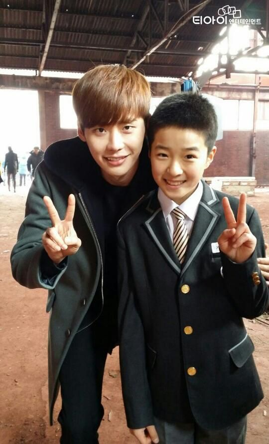 Lee Jong Suk and Nam Da Reum on Pinocchio set.