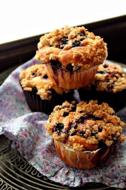Muffin lievitati ai mirtilli con streusel di fiocchi d'avena
