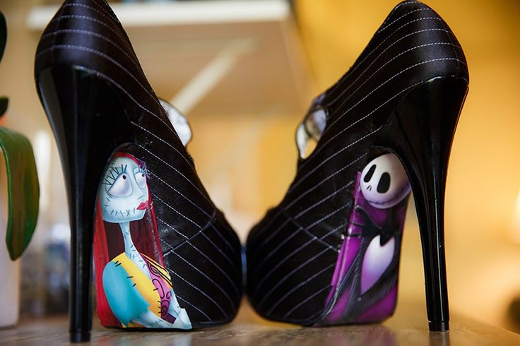 As a Nightmare Before Christmas fan, I have a huge soft spot for Ashley and David's wedding. Their Nightmare Before Christmas wedding is perfect for the time between Halloween and Christmas. A…
