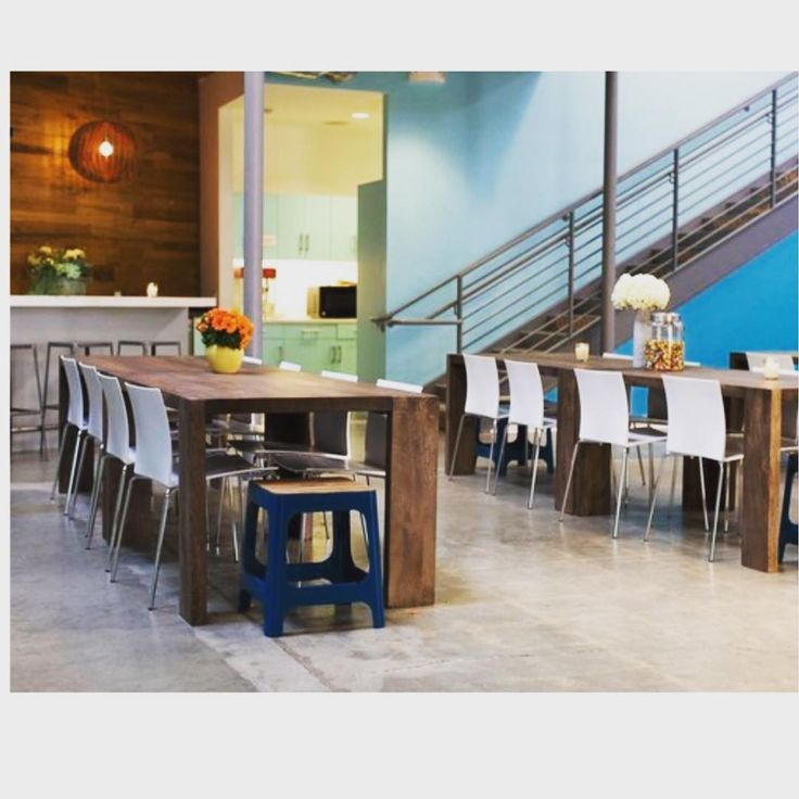 #FitoutFriday The cafeteria at the office of Jessica Alba's The Honest Company is open and bright. A great place to prepare a healthy lunch.
