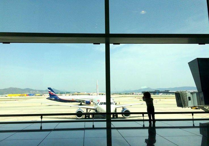 Avion avec enfant : tout ce qu'il faut savoir à l'aéroport