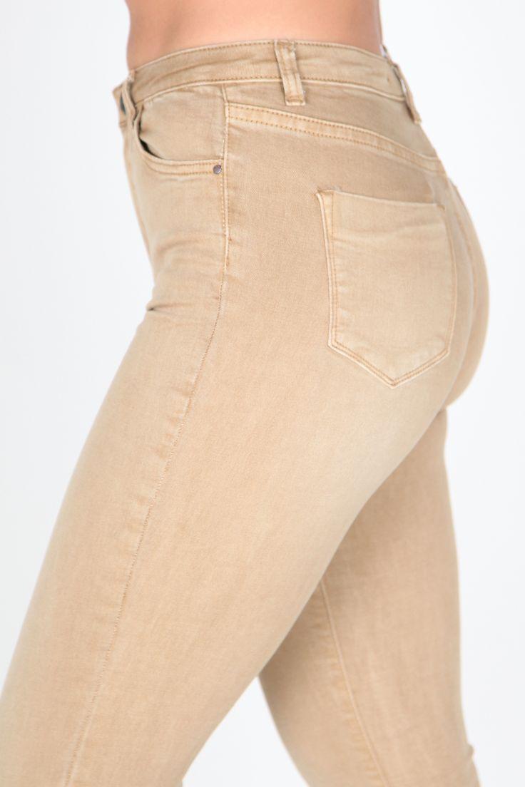 #Jeans de talle alto #moda #pantalones #beige #yesswear #casual