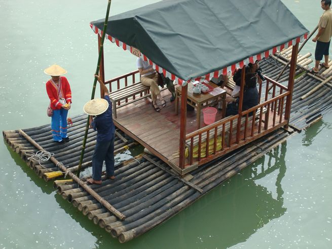 Guilin to Yangshuo on a bamboo raft, learn how to travel the scenic way http://www.thecrowdedplanet.com/guilin-to-yangshuo-bamboo-raft/