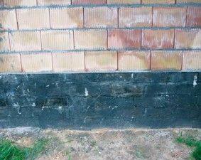 Środki gruntujące do podłoży mineralnych http://www.izolacje.com.pl/artykul/id1031,srodki-gruntujace-do-podlozy-mineralnych