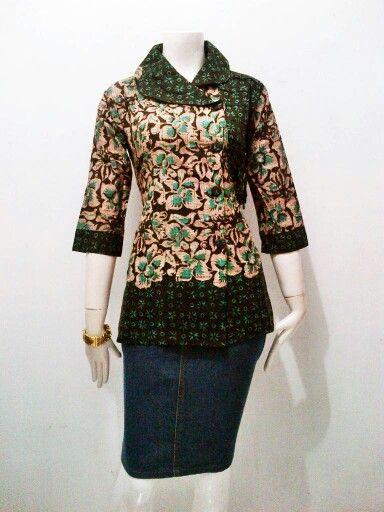 #model blouse batik
