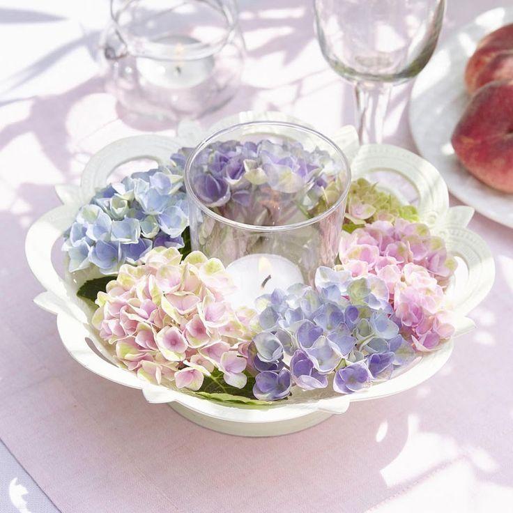 Hortensien gehören zu den schönsten Blumen die der Sommer zu bieten hat. Wir basteln 5 romantische und total einfache Deko-Ideen mit den