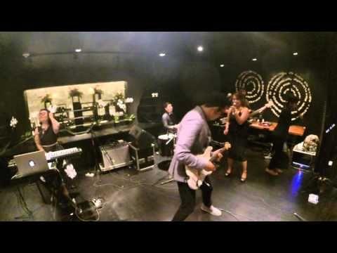 GLO Band Bali - New Years Eve Party at Bvlgari Hotels and Resorts, Bali - YouTube