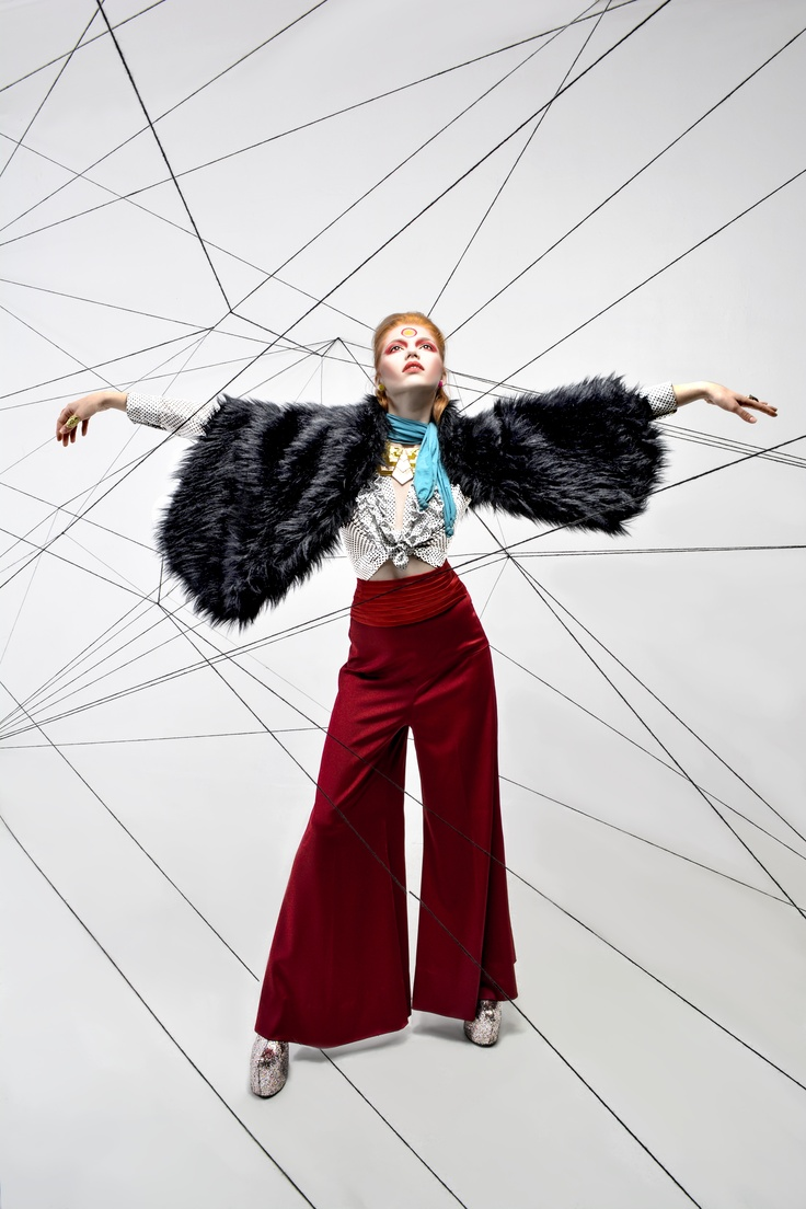 Bowie by Ju  PH: Sara Ju MakeUp: Nadia Kosh Modelo: Vanesa para LA AGENCIA Pantalón:INCUBUS por Catalina Azuero Zapatos: Le' Zapatiere II Accesorios: Alados — at FotoDesign Bogota.
