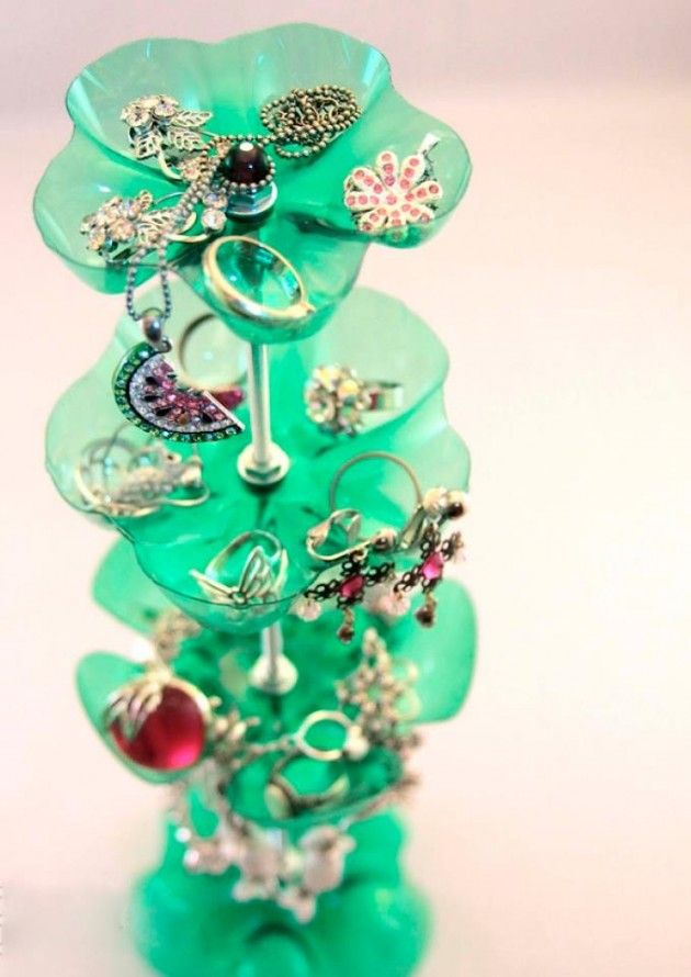 For my teenager. Top 17 Creative DIY Ideas for Jewelry Hangers