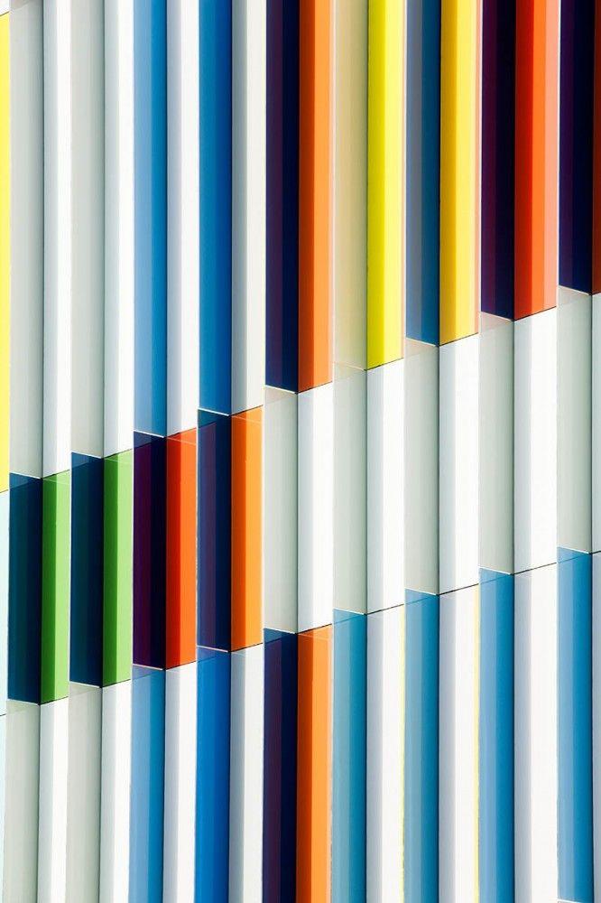 Colorful facade detail. Academie MWD Dilbeek | Carlos Arroyo