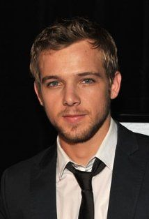 Max Thieriot ❤