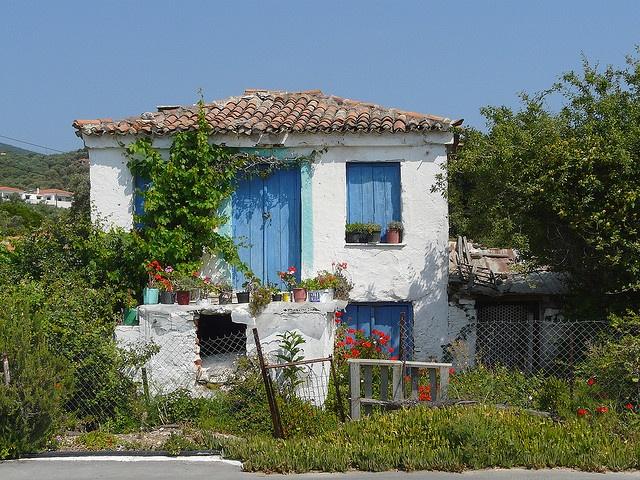 Oud Grieks huis by capreolus, via Flickr