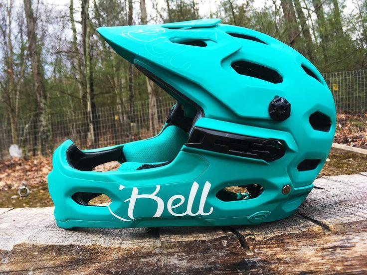 The New Bell Super 3R Full Face Mountain Bike Helmet - Reviewed https://www.singletracks.com/blog/mtb-gear/the-new-bell-super-3r-full-face-mountain-bike-helmet-reviewed/