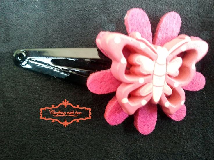Handmade felt flower hair clip.