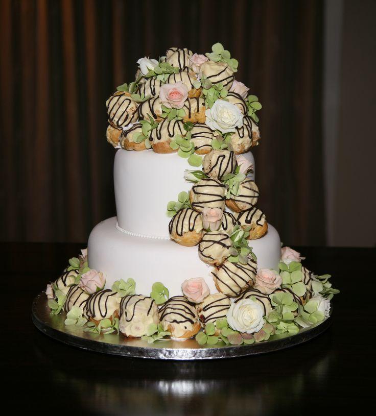 Cream puff Cake