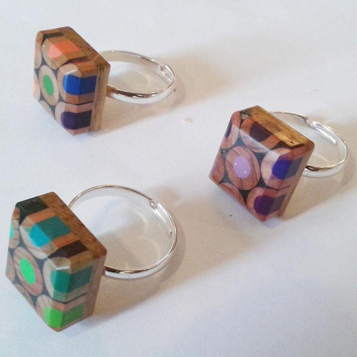anillo original de lápices reciclados