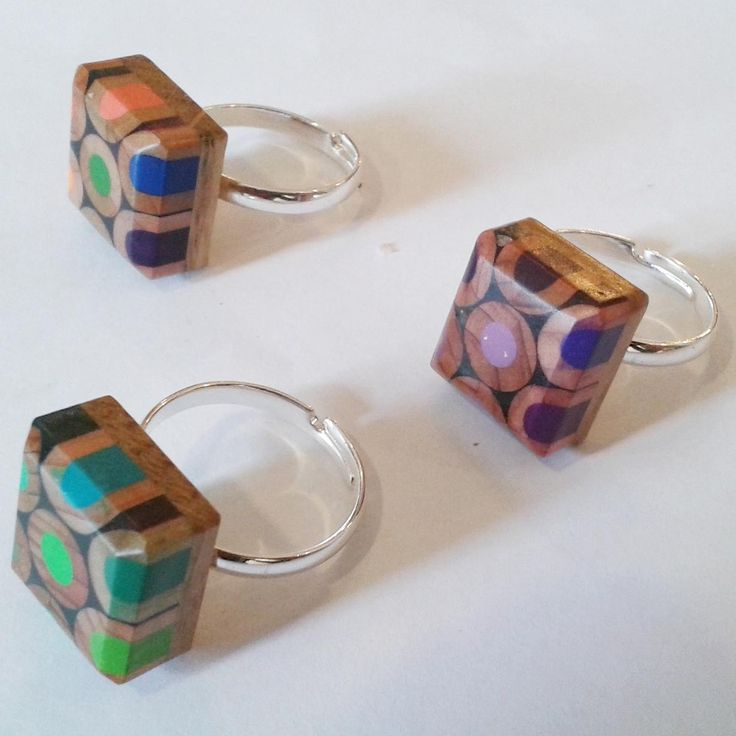 anillo original de lápices reciclados                                                                                                                                                                                 Más