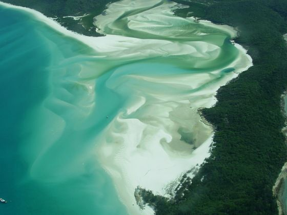 Whitehaven beach Australia Go back