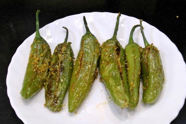 Stuffed Chili-Bharli Mirchi Recipe - Madhurasrecipe.com