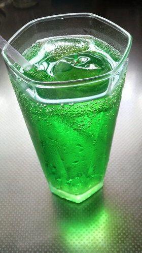 かき氷シロップで簡単♪美味☆メロンソーダ by ☆みえこ ...