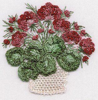 brezilya nakışlı sepette çiçek örneği