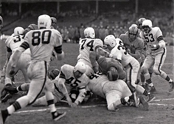 On this day in 1951... A National Football League (NFL) championship game was televised nationally for the first time. The Los Angeles Rams beat the Cleveland Browns 24-17. Who's your favorite NFL team??