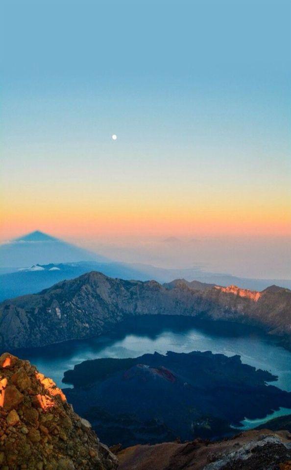 Rinjani Indonesia #rinjani #awesome #beautiful #place #good #travel  #nice #nature #bestpalce #picoftheday #loveit #seraph #seraphstore  www.seraphstore.com