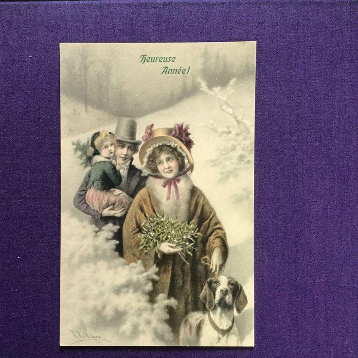 アンティークポストカードの中にヴィエノワズリーとカテゴライズされたウイーンで発行されたカードがあります。 その繊細さと表情の美しさで根強いファンを持っています。 ヤドリギをかかえた絵柄が新年の喜びを表しています。 1900年代初頭のファッションも楽しめるカードです。 #antique #cartepostale #gallery壹 #紙もの #アンティーク #フランス #chromolithographie #アンティークポストカード #コロタイプ印刷 # viennoiserie #ウイーン趣味