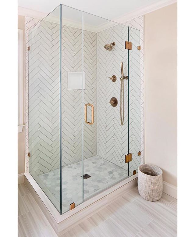 Every.inch.  @elizabethlawsondesign nailed it with this serene shower! ❤ DOUBLETAP IF YOU LOVE THIS!