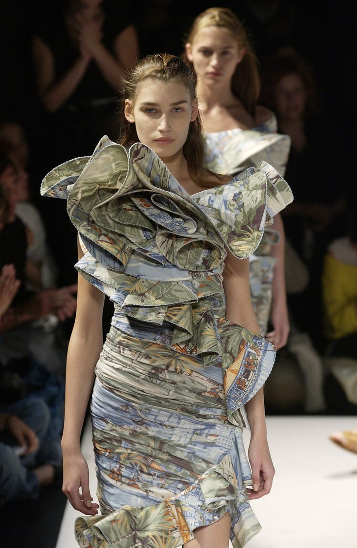 Hussein Chalayan -- spring 2004 Repinned by www.fashion.net