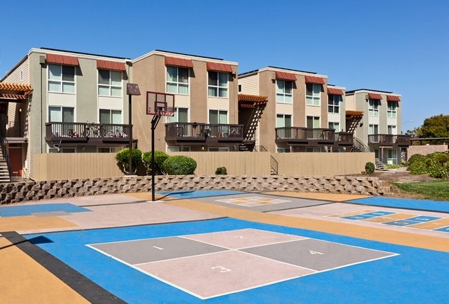 Crescent Park Apartments in Richmond is adjacent to the largest park in the city's parks system.