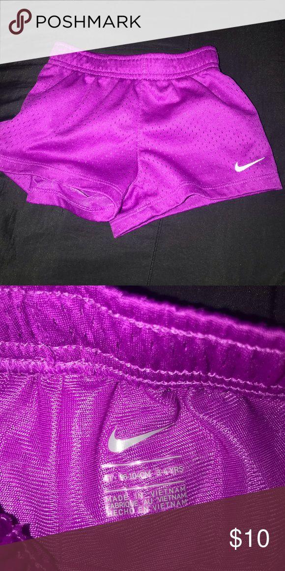 🔵Kinder Nike Shorts shortKinder Nike Shorts Größe 4t in sehr gutem Zustand …   – Shorts Outfit