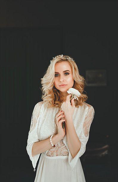 Коллекция нежных дизайнерских свадебных платьев из шелка в Москве