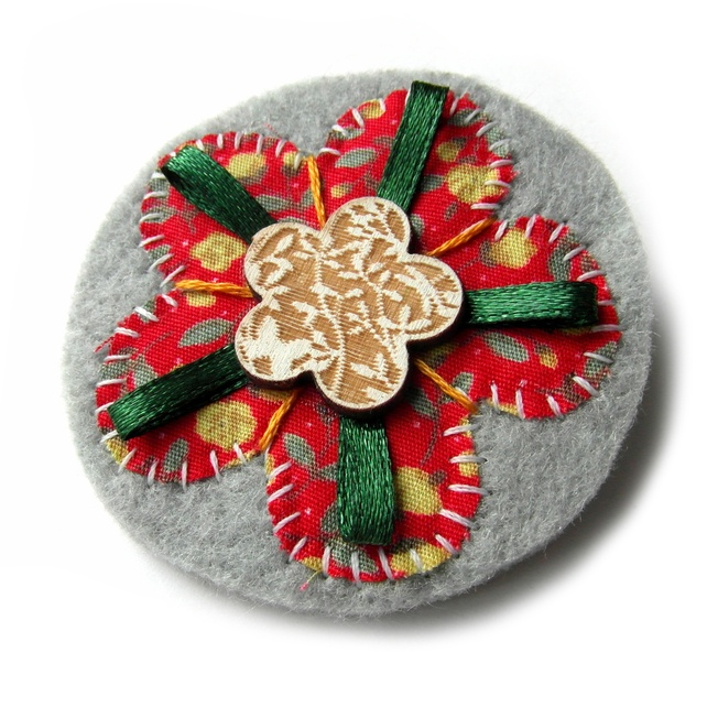 Flower Brooch or Bag Charm - Felt - Grey and Red £5.95