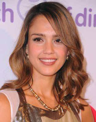 This hairstyle is absolutely gorgeous on Jessica Alba. It works on her long face shape because the length isn't too long. Long hair can make a long face appear even longer.