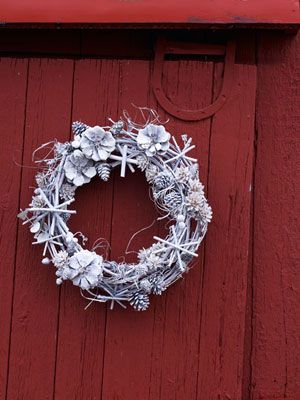White Christmas Wreath: Matte white spray paint transforms au naturel grapevine, twigs,