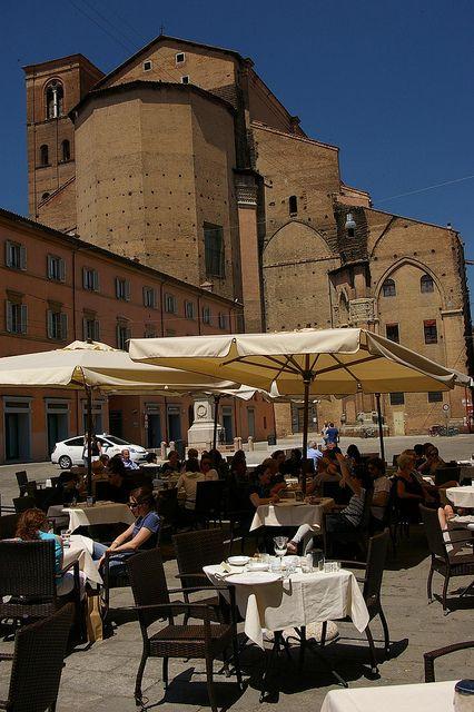 Bologna. PiazzaGalvani.