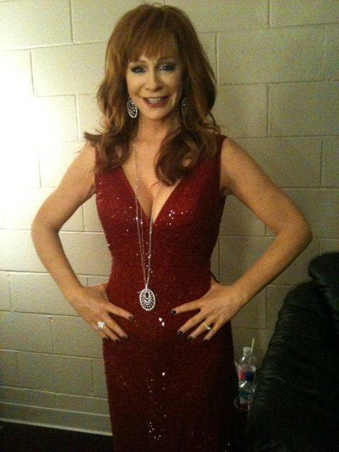 Reba McEntire, Queen of Country Music and ACM Co-Host rocked multiple pieces of Hearts On Fire diamond jewelry at the American Country Music Awards in April 2012. Reba stunned in over 135 carats of perfectly cut diamonds including diamond bracelets, earrings, and rings.