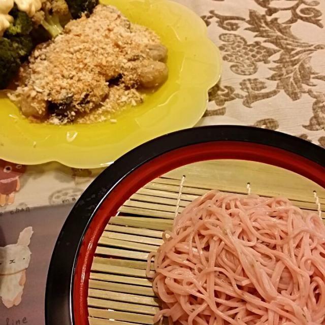 今年最後かな。 最後はソテーにしてパン粉をパラパラ~♪ 桜も最後は美味しく(*´▽`*) - 7件のもぐもぐ - 桜蕎麦と牡蠣ソテー by kunoshio