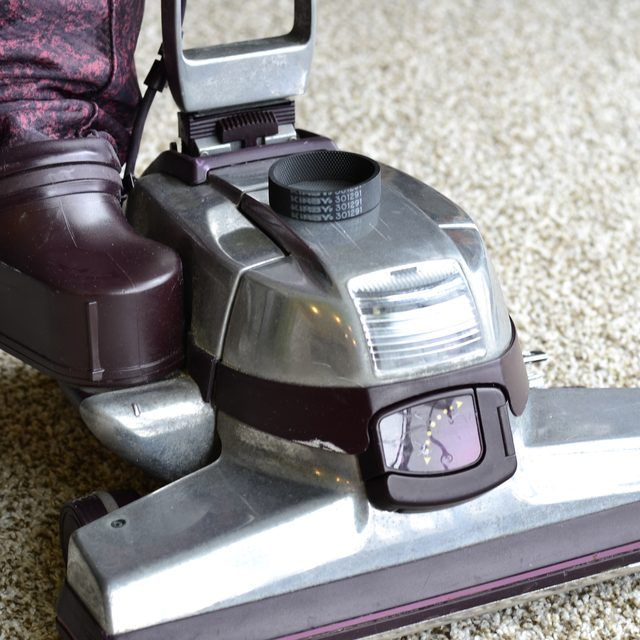 how to change the belt on a electrolux vacuum