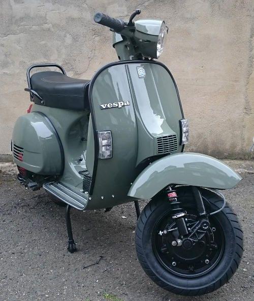 Vespa PX125.Classic Moped Art&Design @classic_car_art #ClassicCarArtDesign