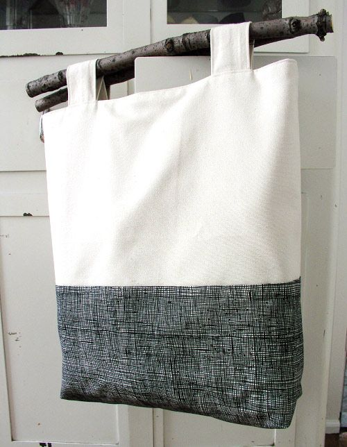 Branch handle tree tote