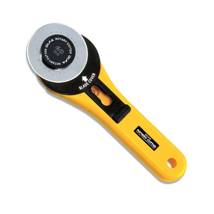 Olfa Rolmes  Model RTY-3G diam. 60 mm. extra groot   Een ideaal mes dat moeiteloos in alle richtingen   snijdt, zoals recht en golvend, voor- en   achteruit. Geschikt voor allerlei materialen   zoals papier en karton, textiel, leer, film,   vinyl enz. rechts en links handig