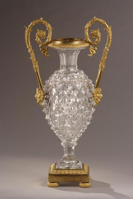 Vase en cristal taillé Charles X