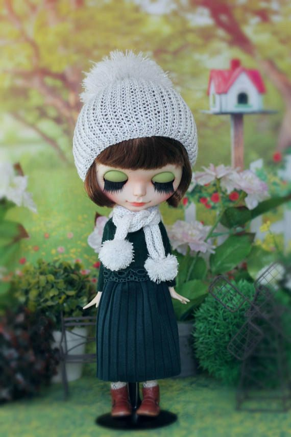Handknitted  Hat and scarf for Neo Blythe  and  dolls with