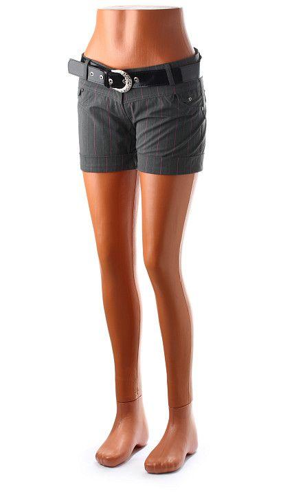 Elegantné dámske bedrové šortky s lesklým čiernym opaskom s vreckami vpredu aj vzadu. Vyrobené z kvalitnej bavlnenej látky s prímesou elastanu pre vyššiu pružnosť. http://www.yolo.sk/damske-kratke-nohavice/sortky-hopanni-riga-sive