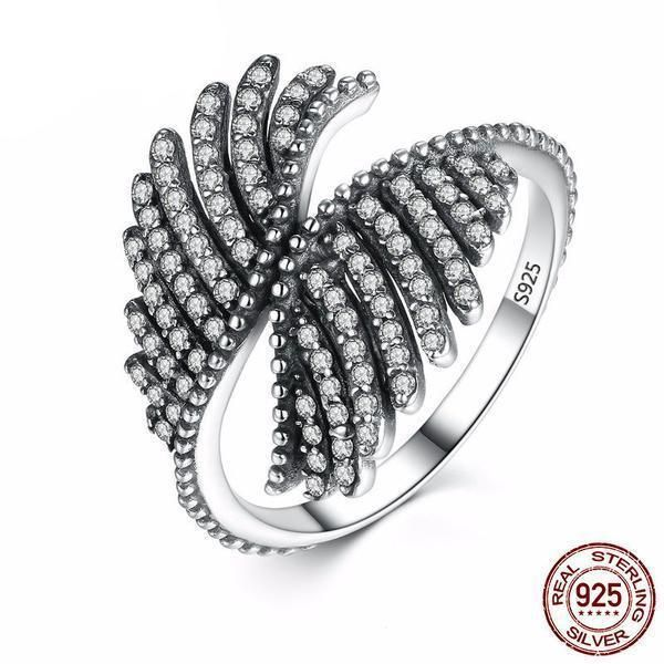 Phoenix Feather Zirconia Ring Sterling Silver 925. Free shipping worldwide and special price for Indonesian (contact us from our site) Bebas ongkos kirim untuk seluruh dunia dan harga spesial untuk Indonesia (hubungi kami melalui situs kami cek bio) Cubic Zirconia is similar to a diamond with its brilliance and crystal clarity. It looks so much like a diamond it is an affordable alternative to diamonds. It can made in different colors to simulate the different colors of a diamond…