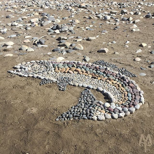 Rock art, this rainbow trout mosaic was found by @montana_treasures while fly fishing along the banks of the Yellowstone River. What an awesome work of art.