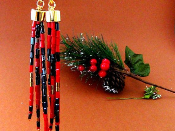 Long tassel earrings  Christmas jewelry  Seed di Frammentidivetro